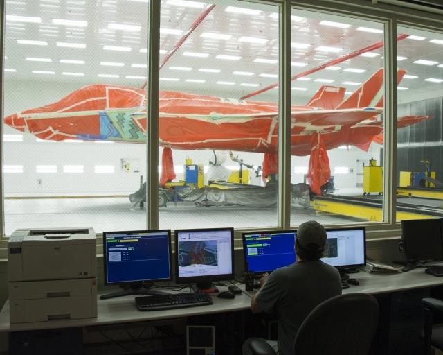 Как истребитель F-35 получает невидимое покрытие
