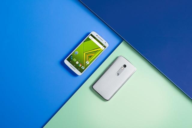 Смартфон Moto X Play уже в продаже