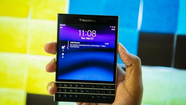 Дроп-тест BlackBerry Passport продемонстрировал качество сборки смартфона