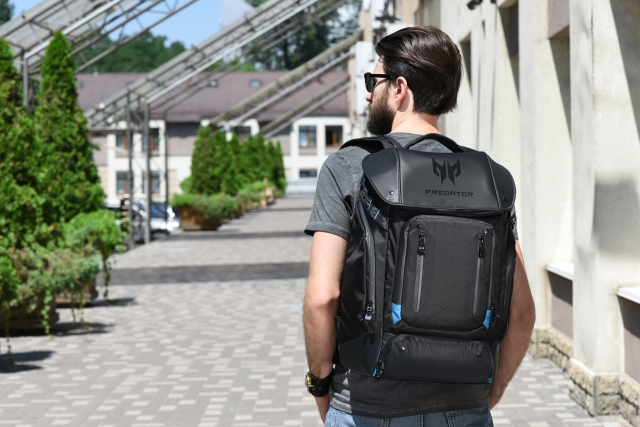 414fbeec2dddb Ігрова амуніція у безпеці. Огляд рюкзака для геймерів Acer Predator ...