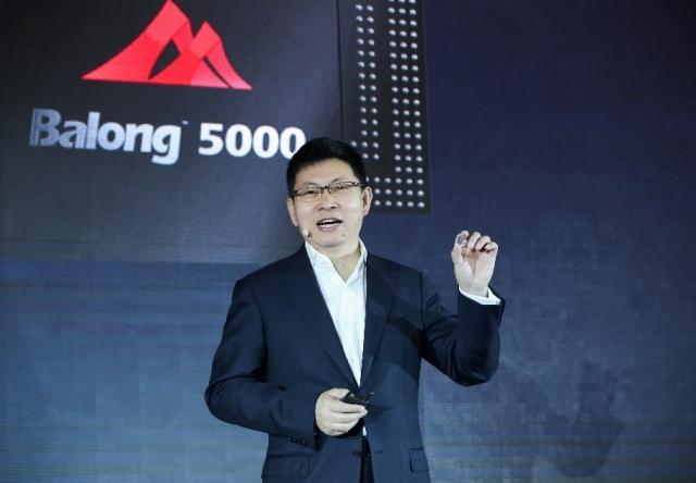 Huawei випускає універсальний 5G-чипсет і пристрій 5G CPE Pro изображение