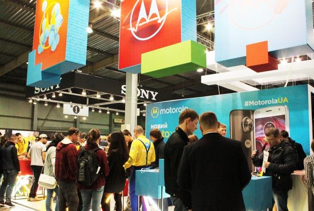 Motorola на CEE в Києві: Moto X4 і нові Moto Mods