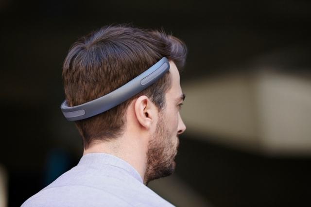 Наушники Batband позволяют слушать музыку, не занимая уши