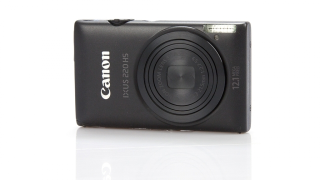 Обзор цифрового фотоаппарата: Canon Digital IXUS 220 HS