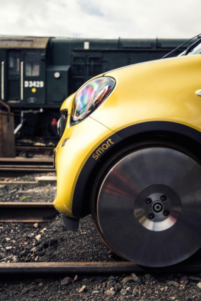Сможет ли машина Smart на рельсах решить проблемы пробок?