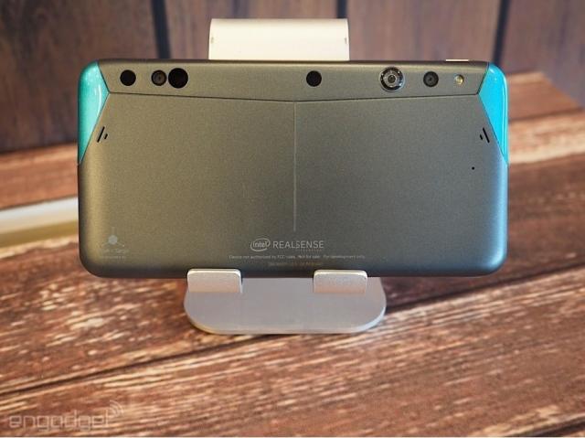 Intel и Google хотят, чтобы телефоны могли снимать в 3D