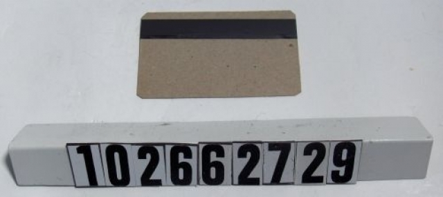 Как ЦРУ и домохозяйка с утюгом помогли IBM изобрести платежную карту с магнитной полосой