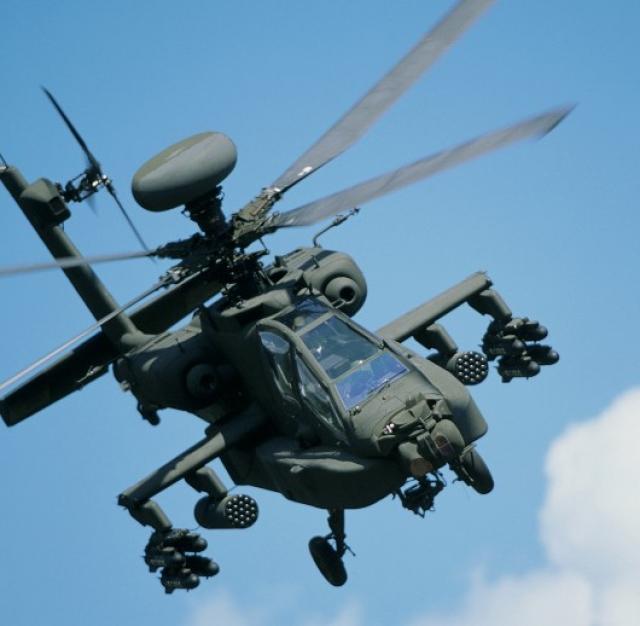 фото апач вертолет