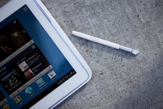 """Samsung представит свой 12"""" планшет в октябре"""