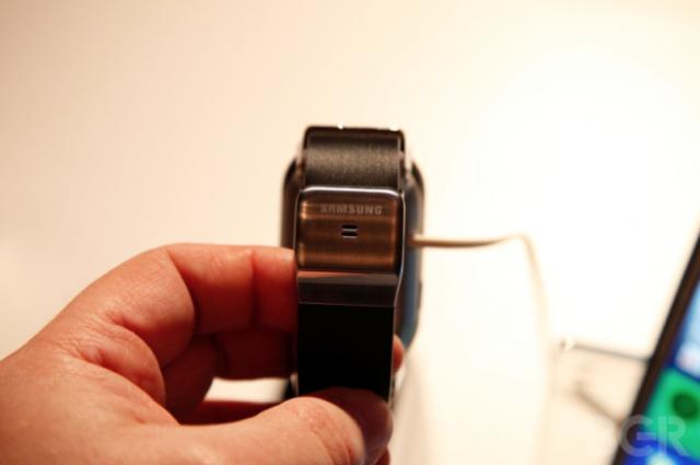 Фото и впечатления Galaxy Gear с IFA 2013