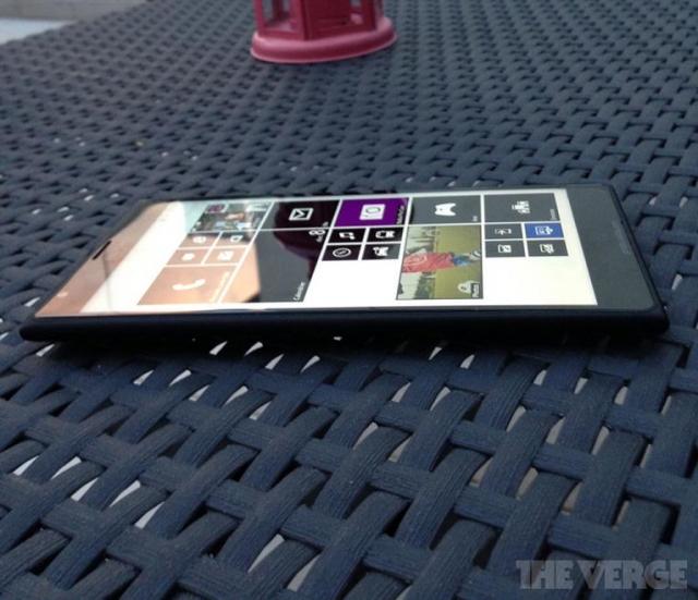 Lumia 1520: первые фото первого фаблета