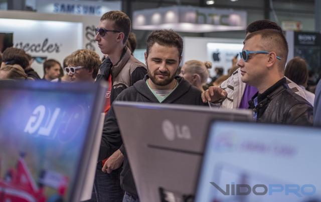 LG на СЕЕ 2013 отметилась в сегменте потребительской электроники и В2В