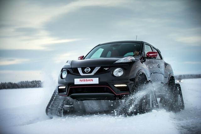 Nissan Juke Nismo RSnow на гусеничном ходу