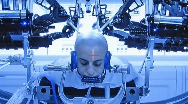 Игра Эндера: машина для нейрохирургического вмешательства - реальный хирургический робот
