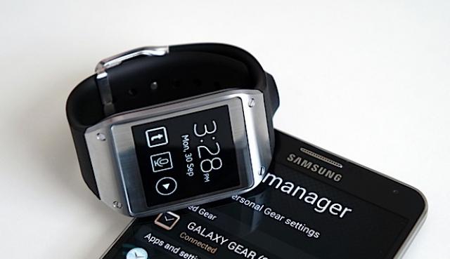 Samsung продала 800 тыс. единиц Galaxy Gear за два месяца