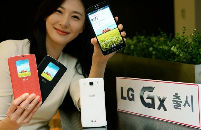 "LG представила новый смартфон GX с 5.5"" дисплеем"
