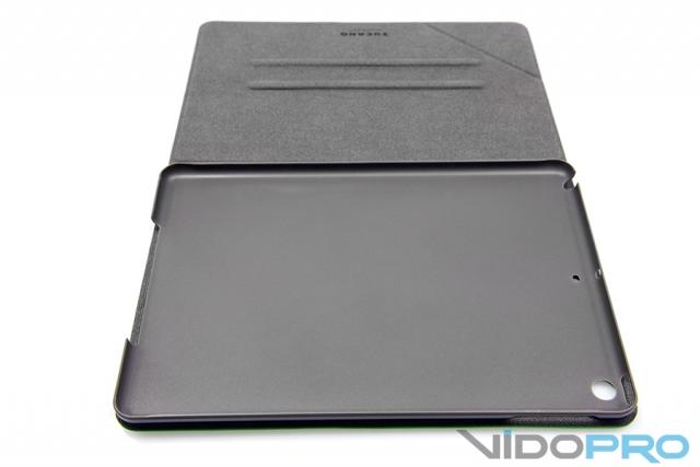 Чехлы TUCANO ANGOLO, FRESCO и FILO: яркая защита для iPad Air