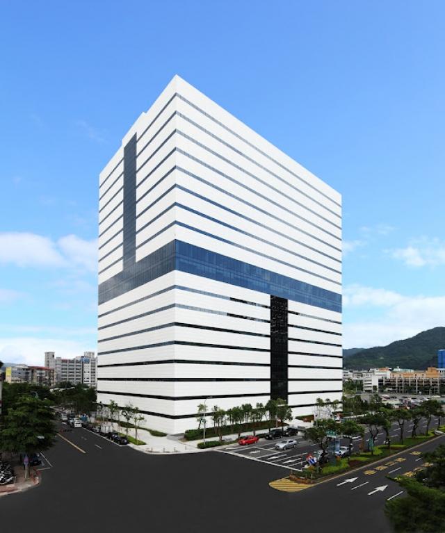 На свое 15-летие HTC открыла новый офис в Тайбэе