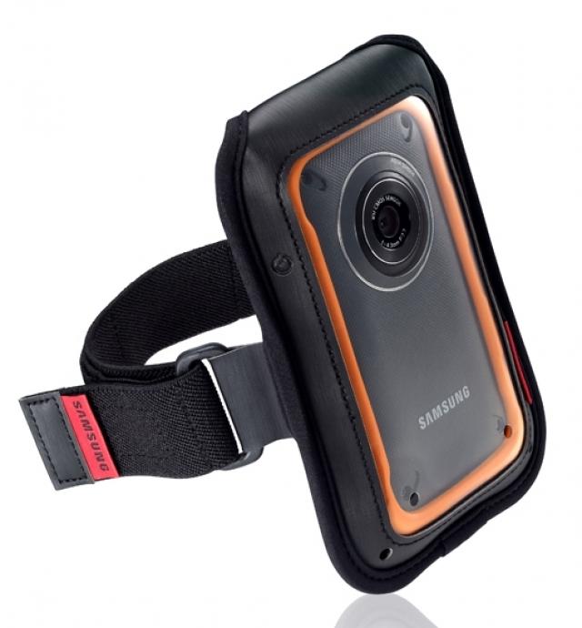 Защищенная видеокамера специально для летних приключений Samsung W350