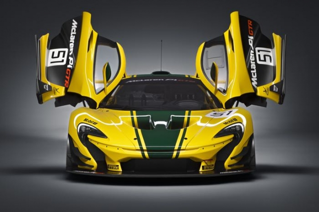 Суперкар McLaren P1 GTR официально