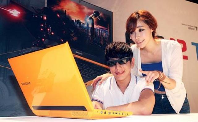 Samsung Series 7 - яркий ноутбук для геймеров с поддержкой 3D