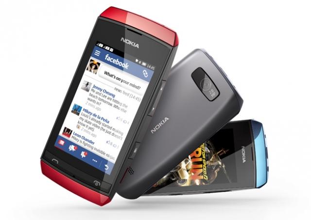 """Имидж """"смартфона"""" помогает Nokia продавать телефоны Asha"""