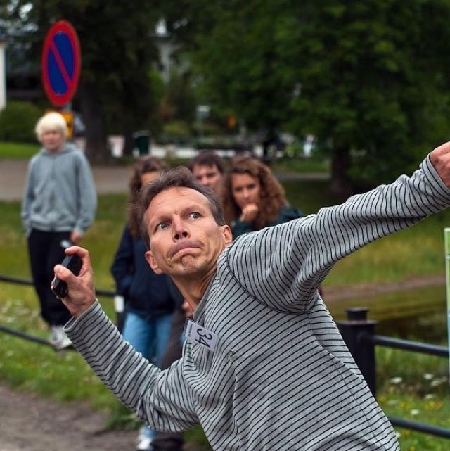 Подросток из Финляндии установил новый рекорд в метании на дальность… телефона!
