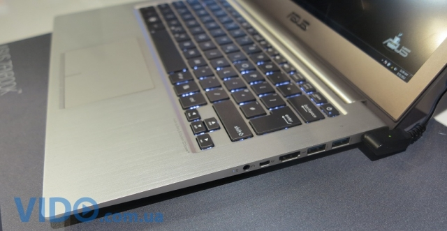 Репортаж IFA 2012: Acer Aspire S7, HP Spectre XT TouchSmart, ASUS ZENBOOK UX32VD - новые ультрабуки на стенде Intel