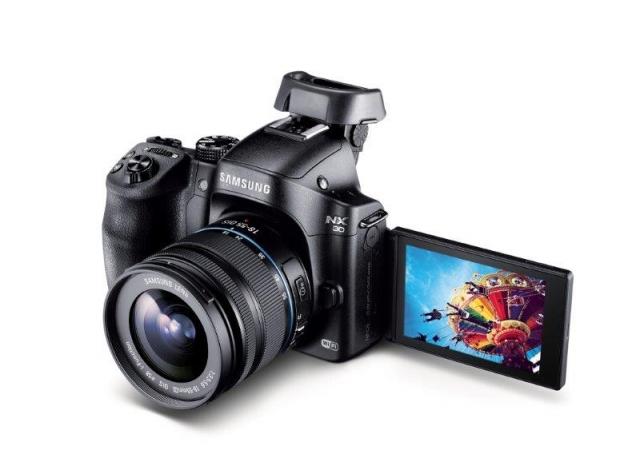 Компактная беззеркальная камера NX30 для профессионалов