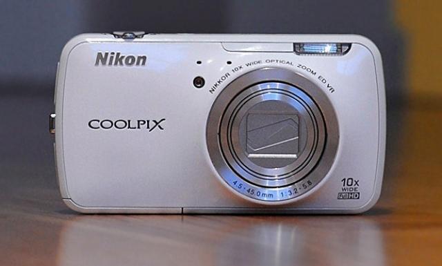 Coolpix S800c от Nikon - фотоаппарат или смартфон?