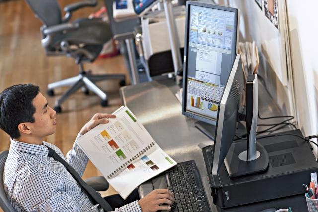 Профессиональный монитор Dell U2713HM уже доступен в Украине