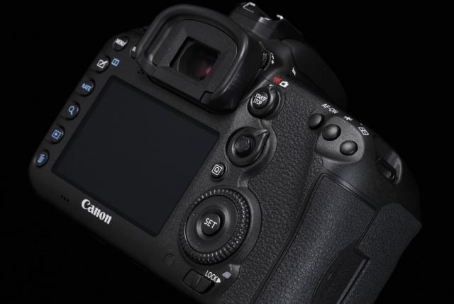Canon получает четыре награды TIPA за 2015 год