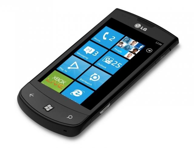 LG Optimus 7 останется без Windows 7.8