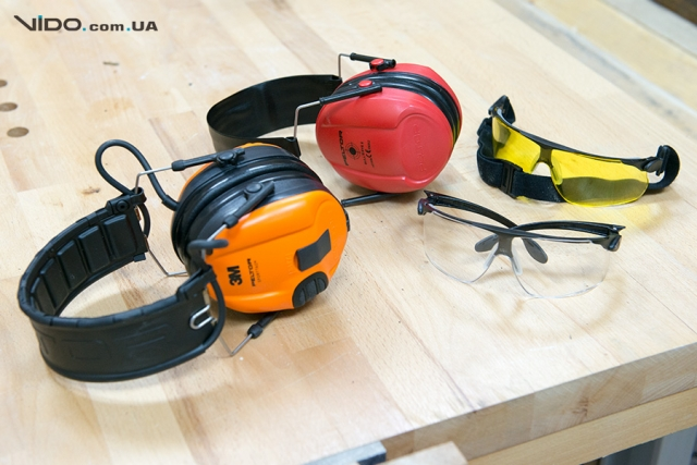 Защитные очки 3M