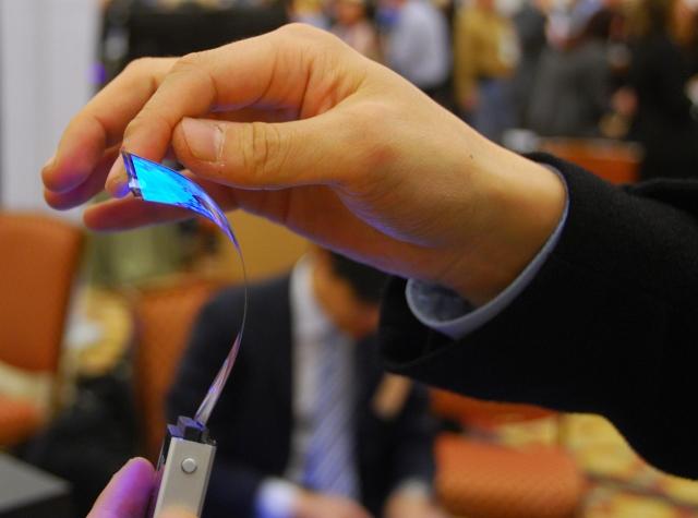 Samsung представит на CES 5,5-дюймовый гибкий экран