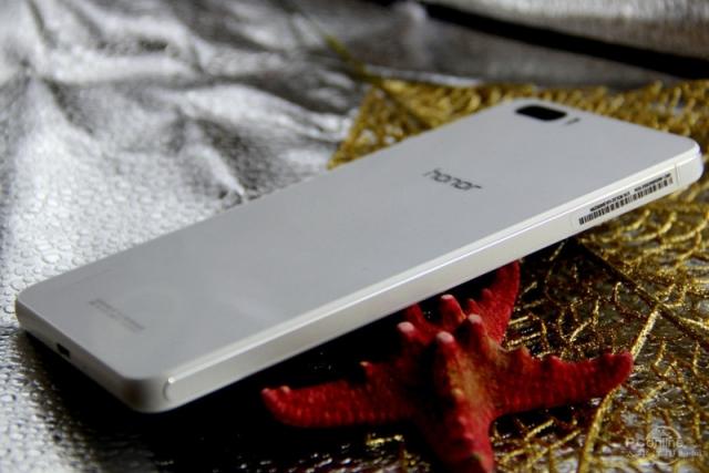 "Huawei представила 5.5"" смартфон Honor 6 Plus с двойной камерой"