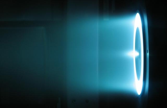 Холловский двигатель ракетной тяги установлен на космическом корабле X-37B