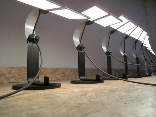 Настольные OLED-лампы от Philips