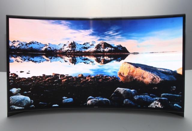 Первый в мире OLED-телевизор с изгибом – версия Samsung