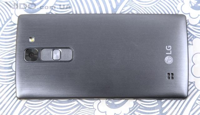 Обзор смартфонов LG Spirit и Magna: как две капли воды