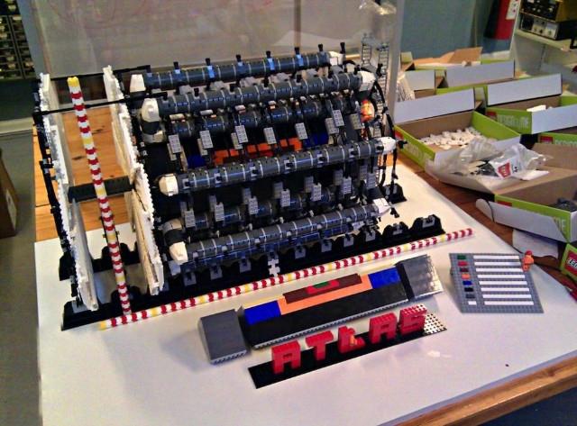 Построена модель Большого адронного коллайдера из LEGO