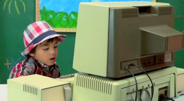 Реакция детей на компьютер 1977 года