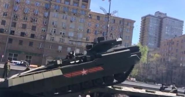 Новая российская бронемашина управляется геймпадом