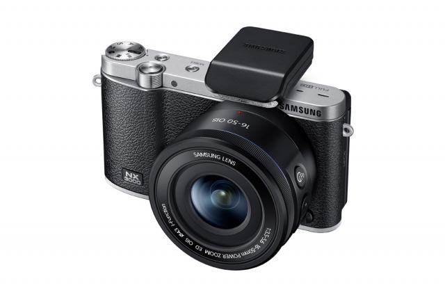 SMART-камера Samsung NX3000 для отличных «селфи»