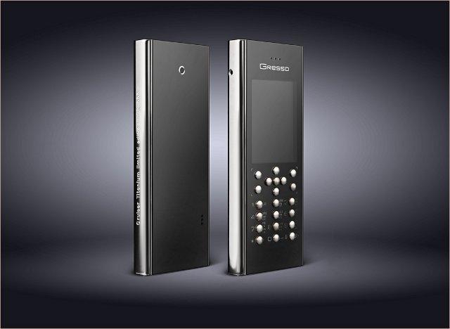 Первый в мире телефон из титана