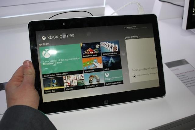 На MWC 2013 компания LG представит Tab-Book