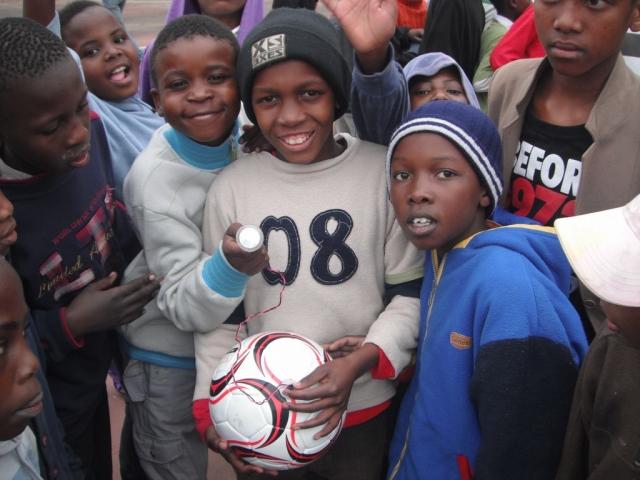 Ученые создали футбольный мяч, который генерирует энергию