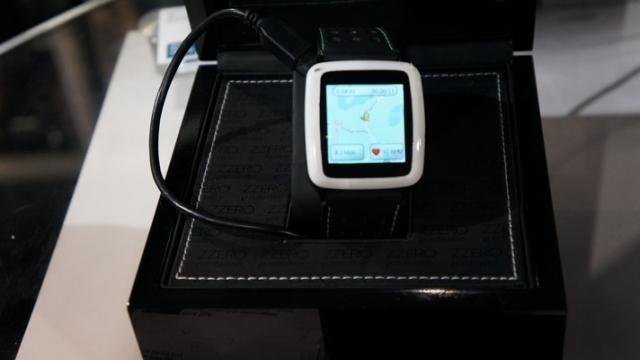 Si14 представила «умные часы» на операционной системе Android