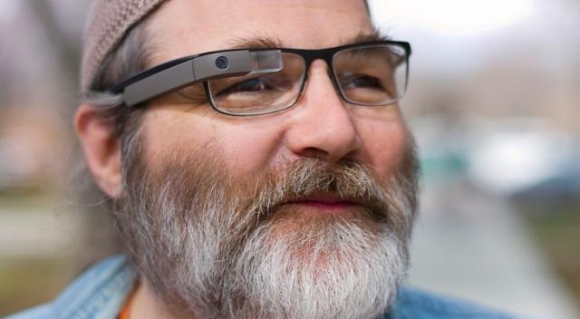 Google Glass будут работать над очками для зрения