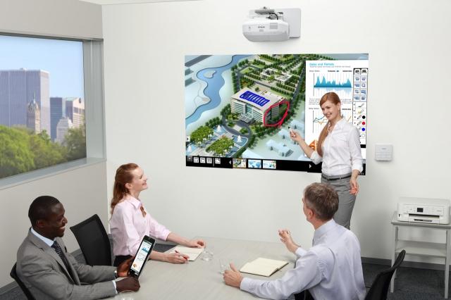 Новые интерактивные проекторы Epson EB-1410Wi и EB-1400Wi